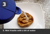 Wet friselle with a bit of water.